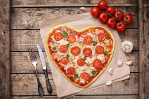 valentines day apartment heart pizza